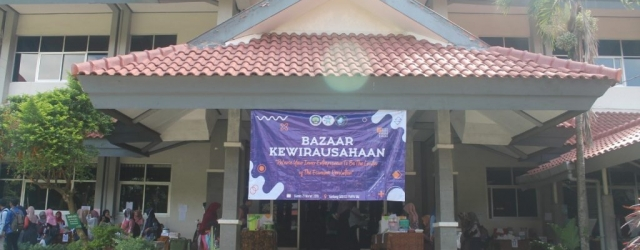 "Kewirausahaan 2019 ""Release Your Inner Entrepeneur To Be The Leader of The Economic Revolution"""